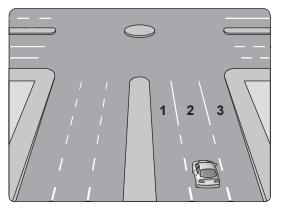 Şekildeki aracın sürücüsü, dönel kavşaktan geriye dönüş yapmak için hangi şeridi izlemelidir?
