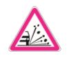 Şekildeki tehlike uyarı işaretini gören sürücü aşağıdakilerden hangisini yapmalıdır?